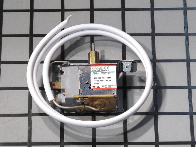 D1052.01 D1052.01 Danby D1052 THERMOSTAT