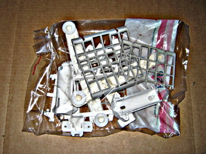 3369903 Whirlpool White Dishwasher Upper Rack Assembly